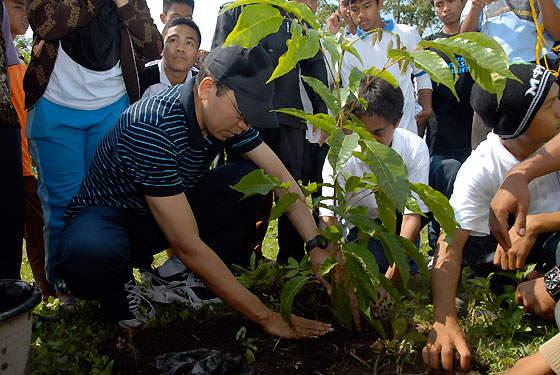 Gubernur NTB Galakan Nanam Pohon