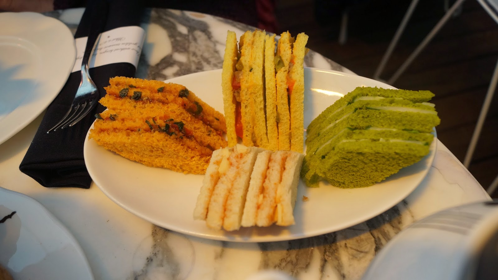 http://cupcakeluvs.blogspot.dk/2015/04/afternoon-tea-i-london-afternoon-tea-in.html