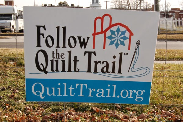 quilt trail sign