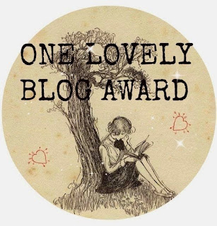 http://lanaciondelibros.blogspot.com/2015/02/one-lovely-blog-award.html