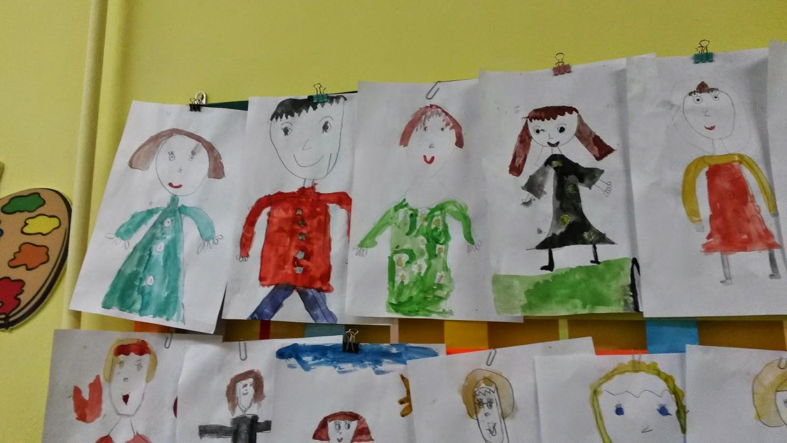 дети рисуют свою маму