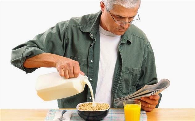 Oι καλύτερες τροφές για άντρες άνω των 50 ετών.