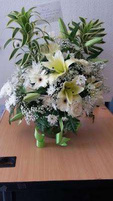 jual buket bunga surabaya, buket meja surabaya