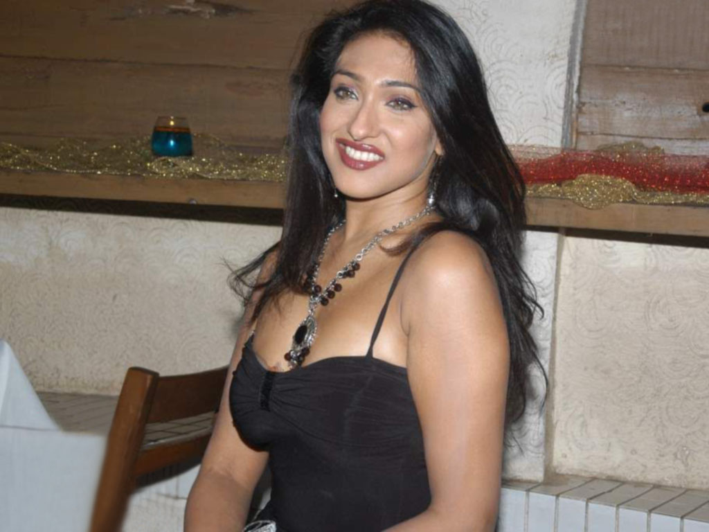 Kolkata Bengali Sexy Indian Film Actress And Model Latest Hot