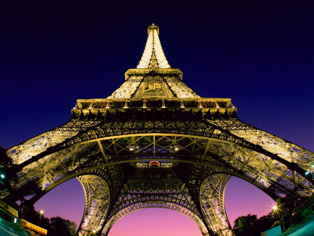 a place for free hd wallpapers desktop wallpapers eiffel tower wallpapers. Black Bedroom Furniture Sets. Home Design Ideas