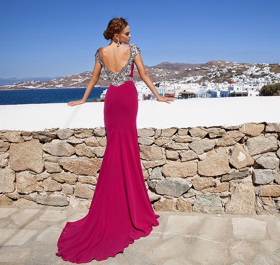 SPECTACULAR COLLECTION OF EVENING DRESSES
