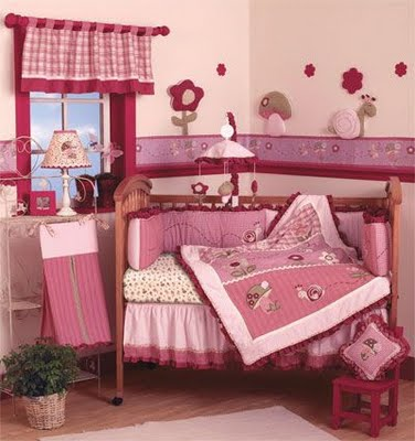 Dormitorio para bebes en rosado dormitorio infantil for Diseno de habitacion para bebes