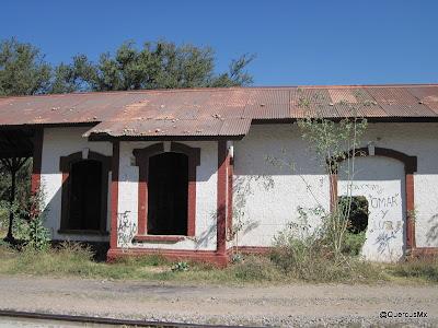 Estación de tren entre Cruz Vieja y San Isidro Mazatepec