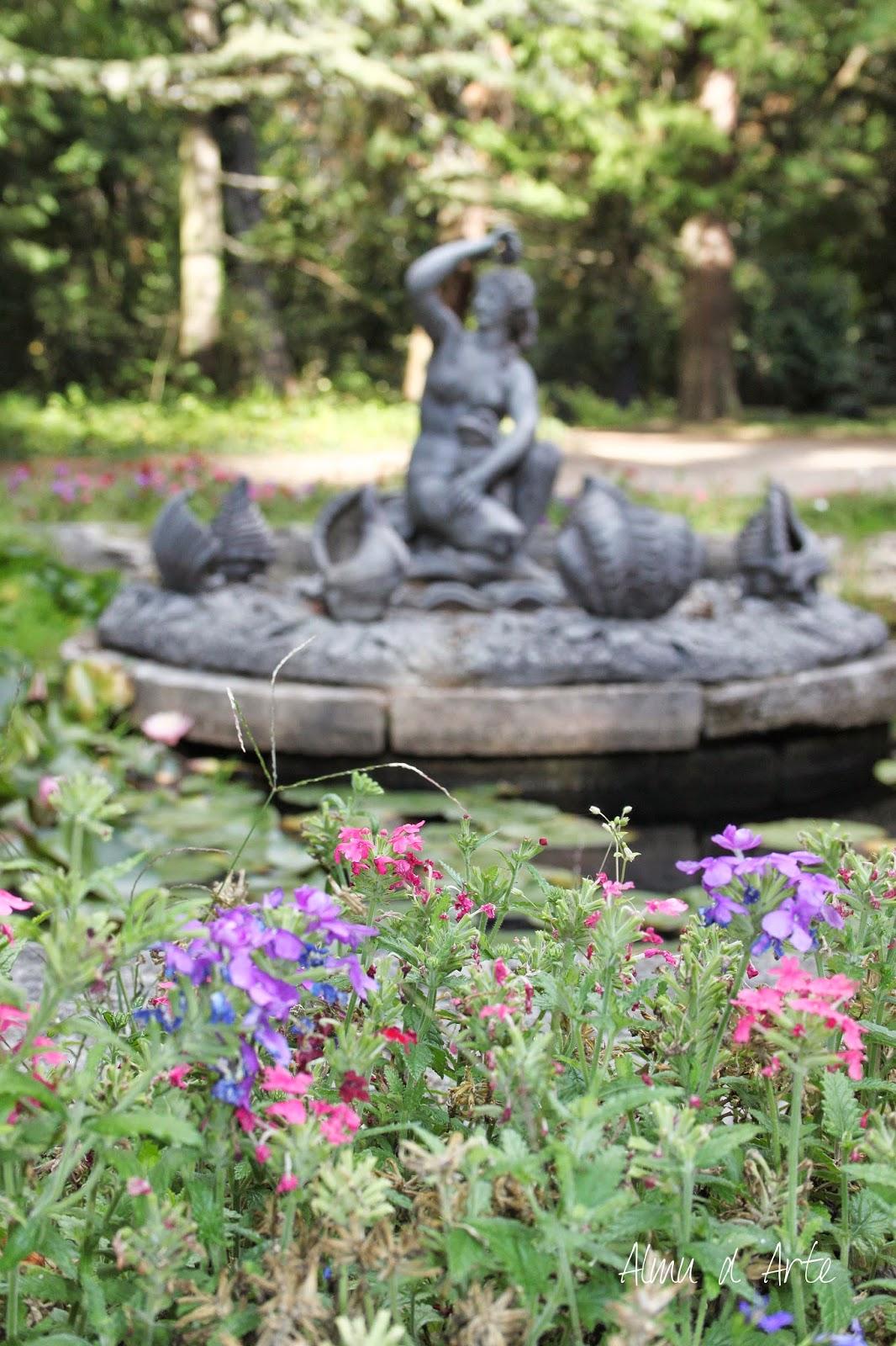 Esculturas de las fuentes de los Jardines Reales