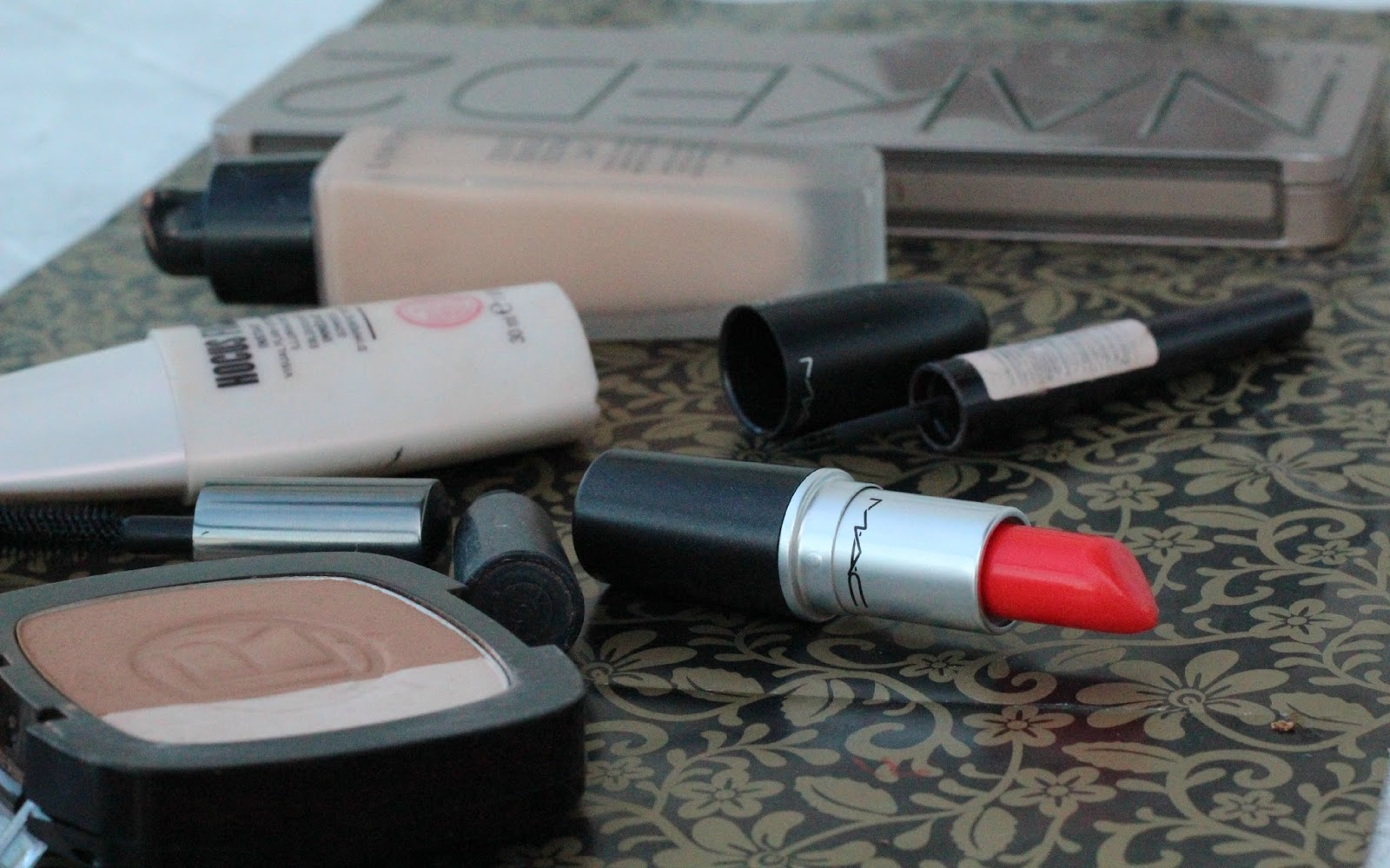 Orange lip trend face of the day - mac morange, urban decay naked 2, they're real, teint idole ultra lancome, rimmel exaggerate liner, hocus focus soap and glory, l'oreal bronzer