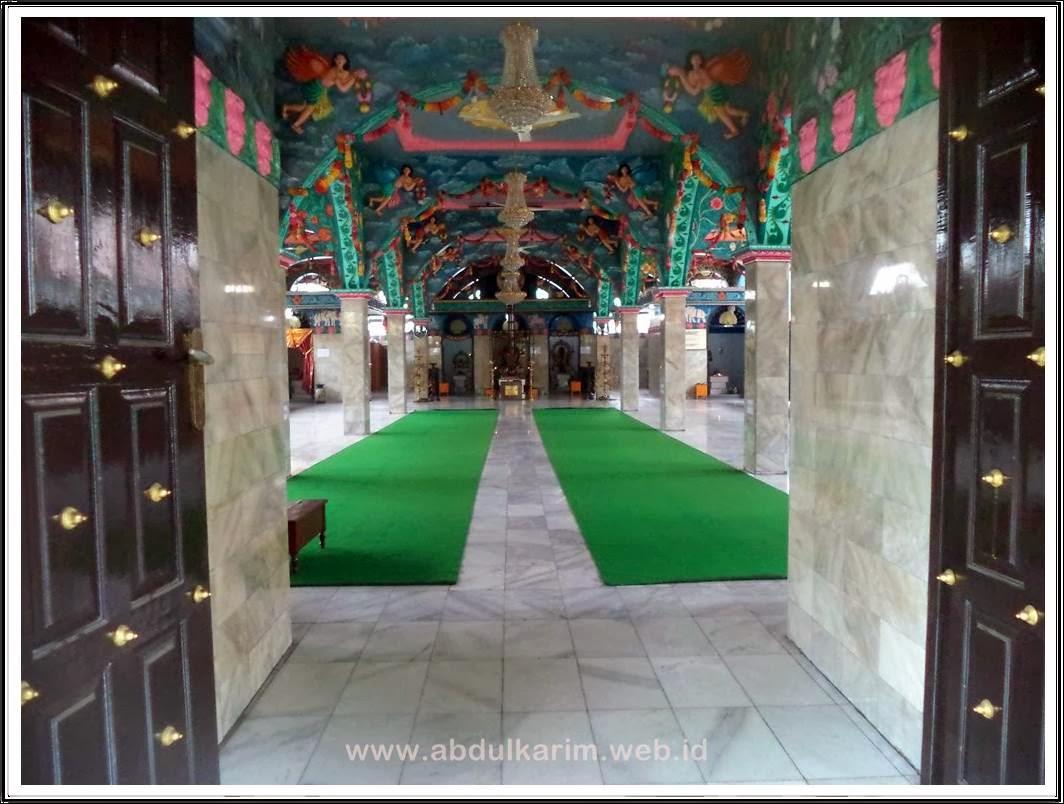 Ruang Pemujaan Kuil Shri Mariaman