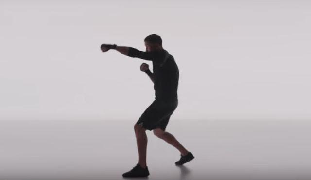 Canzone pubblicità Apple Watch Allenamento ragazzo che fa pugilato