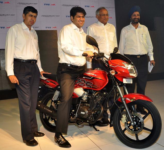 TVS Phoenix 125 motorcycle launched at Rs 53,000 Stay tuned for ( TVS Phoenix 125  motorcycle review , TVS Phoenix 125  motorcycle Specs , TVS Phoenix 125 motorcycle variants , TVS Phoenix 125 motorcycle colors , TVS Phoenix 125 motorcycle mileage ) .  TVS Motor Company on Friday launched its second 125cc motorcycle -- TVS Phoenix 125cc motorcycle
