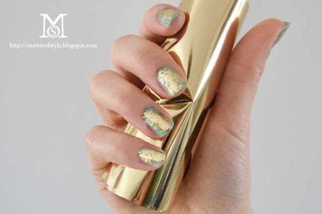 gold nails, gold manicure, diy, fashion diy,