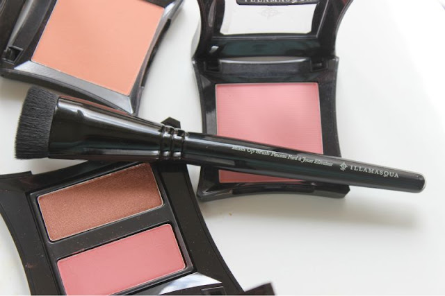 Illamasqua Blush Up Brush