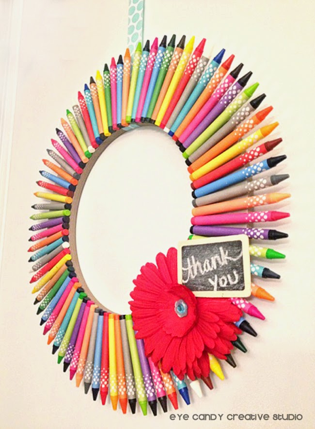 finished crayon wreath for teacher gift, teacher appreciation