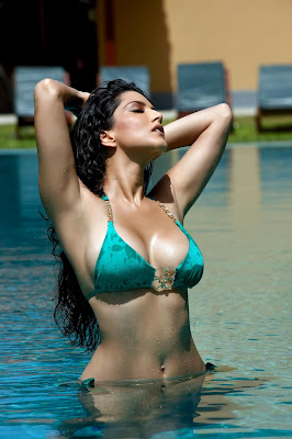 Sunny Leone Jism 2 Latest HQ Movie Stills