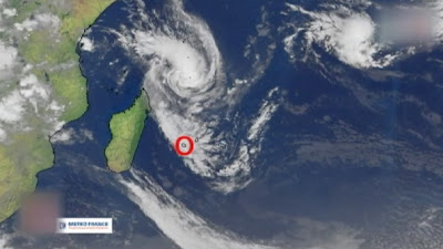 Isla de la Reunión, en Francia, en alerta roja por ciclón Dumile, 03 de Enero de 2013