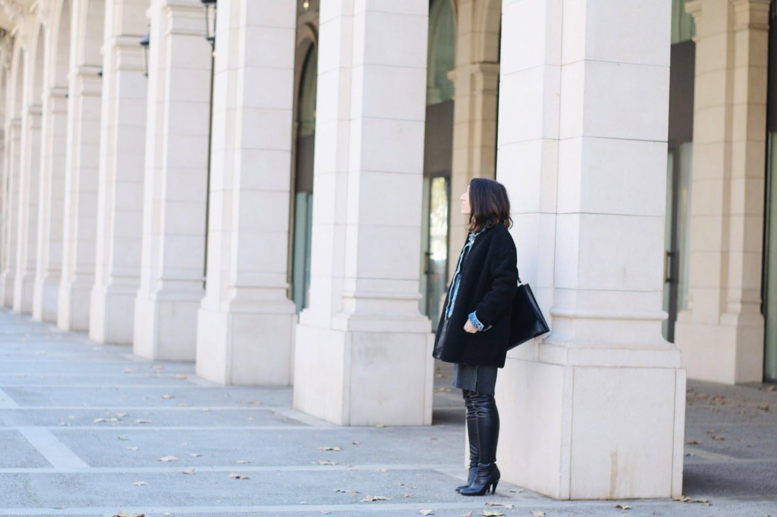 Vestido, abrigo, cinturón Mango, Zara Bolso, Botas Mosqueteras Over the knee boots