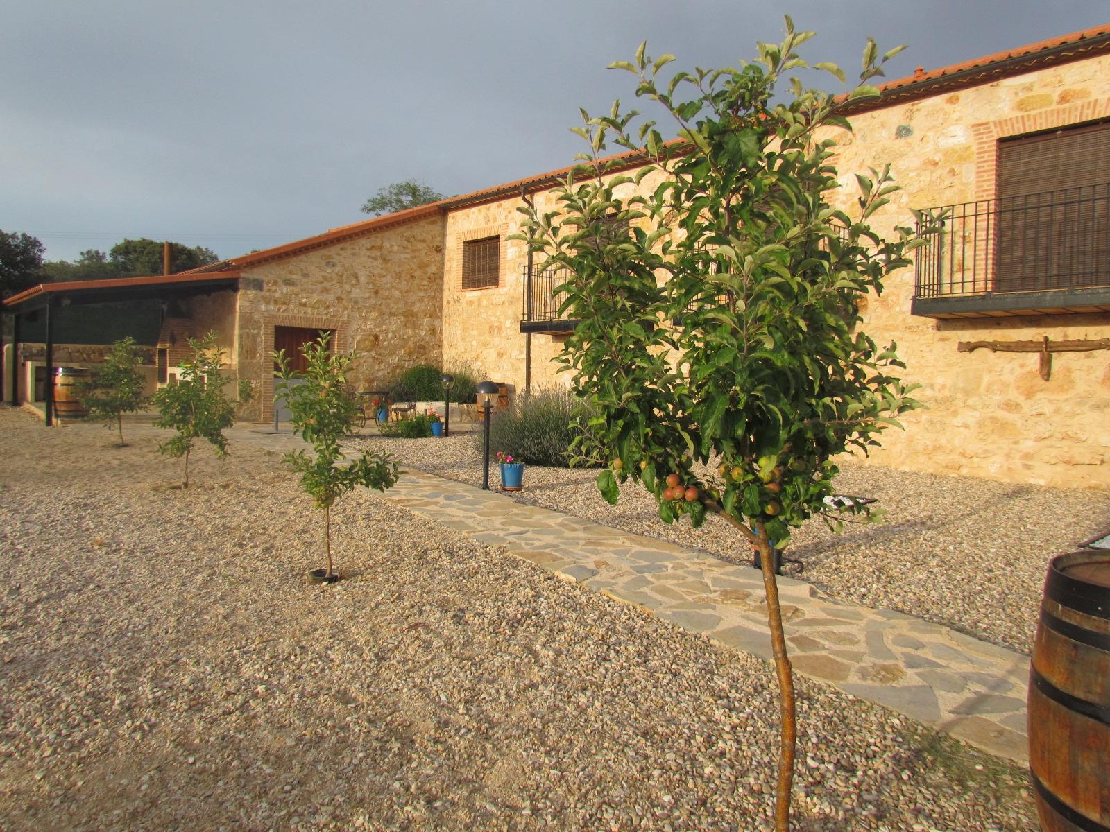 Casa rural el lagar de la navazuela jardin - Casa rural el jardin ...
