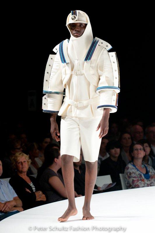 Morphosis antwerp fashion academy for Fashion academy