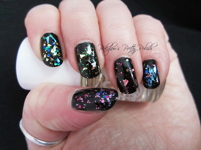 Mirrorball_models_own_nail_art