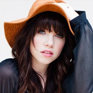 Download Lagu Call Me Maybe - Carly Rae Jepsen