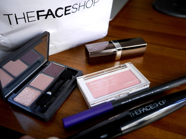 THEFACESHOP Holiday Look