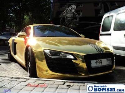 Kereta Audi R8 Dari Emas Tulen