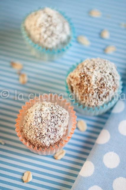 kokosboller dolcetti veloci, senza cottura ideali per natale e anche gluten free