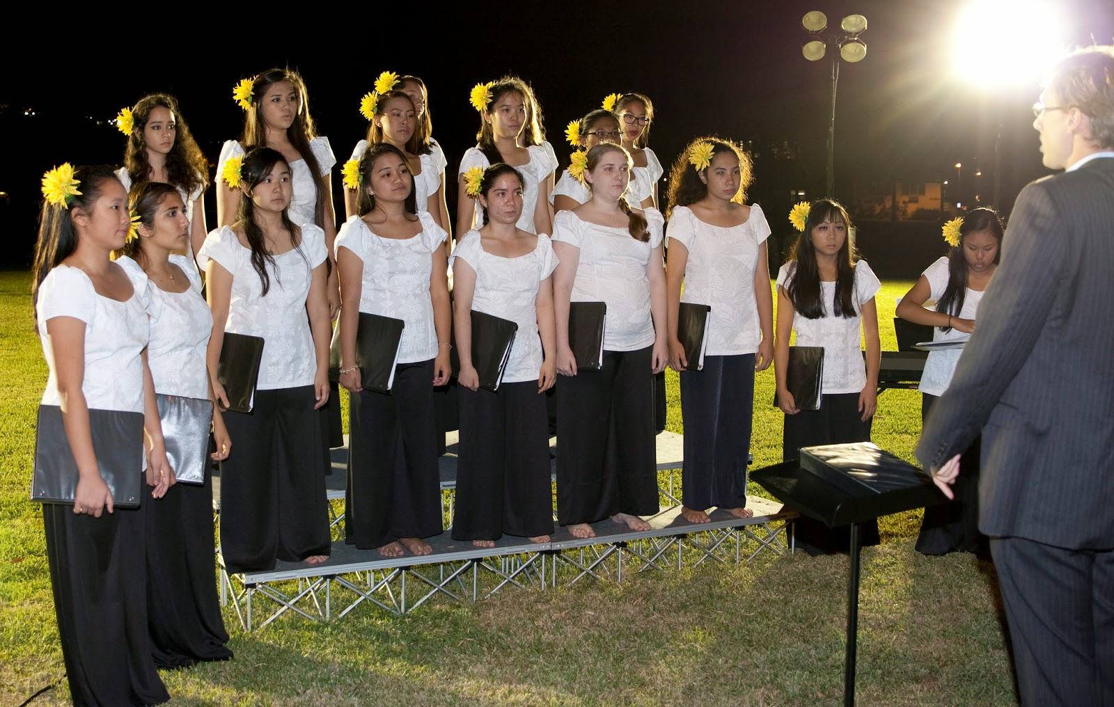 Select Choir Sings for Commanding General of the Army Pacific