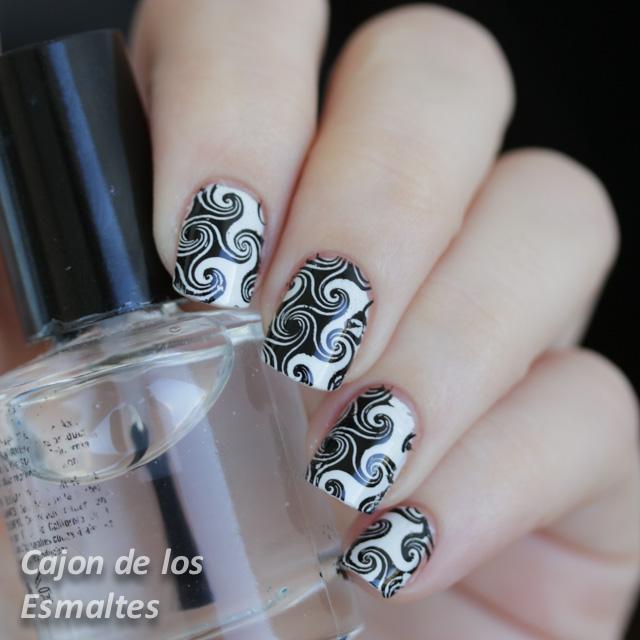 Decoración de uñas en blanco y negro - Placa BP-L003