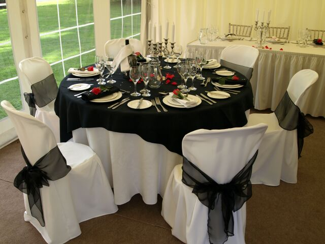 yellow and gray wedding tablecloths