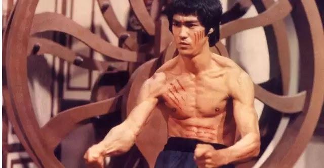 Μπρους Λι: Η μοναδική πραγματική του μάχη εκτός σινεμά που καταγράφηκε σε κάμερα! (βίντεο)