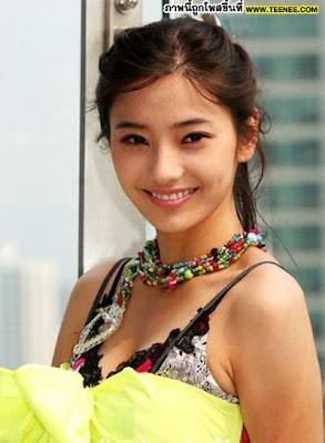 http://mlorots.blogspot.com/2013/11/foto-sexy-han-chae-young-yang-hot.html