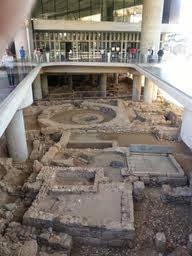 Πετάνε κέρματα στο μουσείο της Ακρόπολης ;...