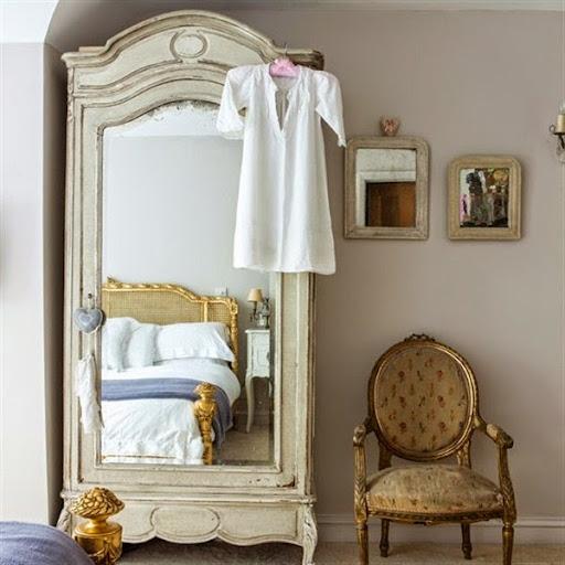 model desain cermin kaca rias atau hias untuk kamar tidur modern
