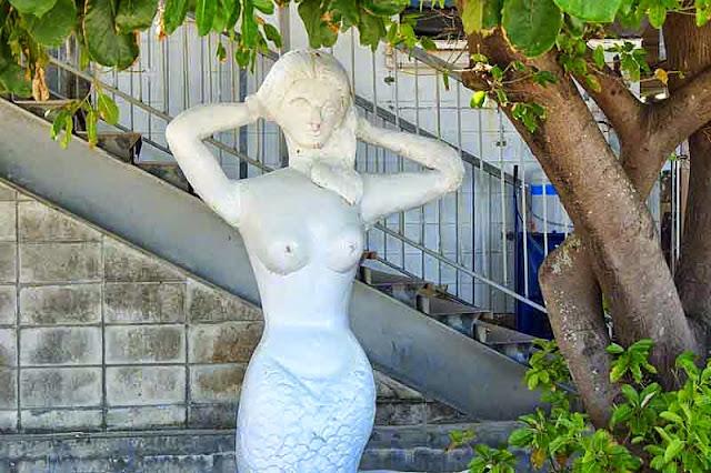 standing mermaid, shade