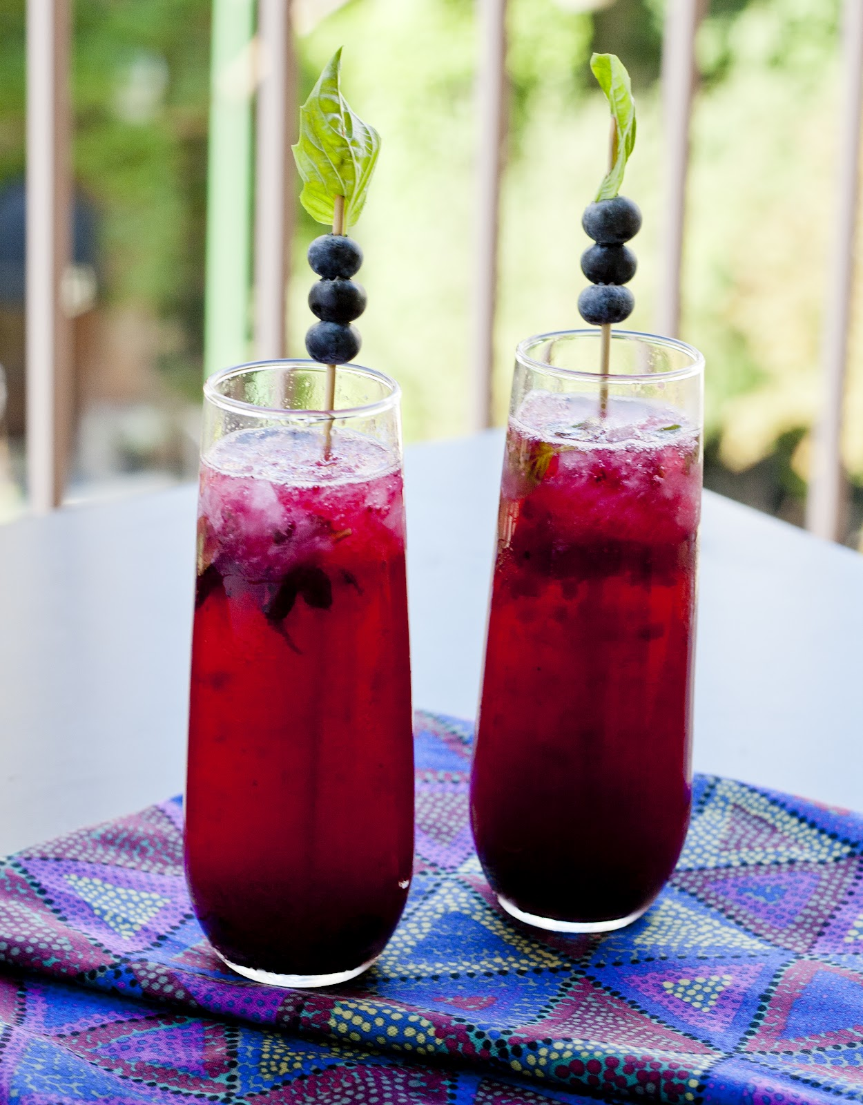 blueberry basil fizz