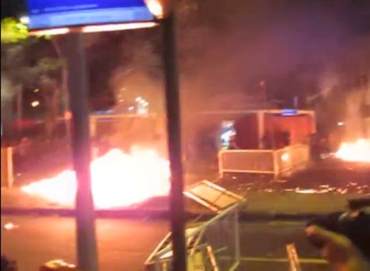 Coquetel Molotov jogado contra a polícia Rio de Janeiro