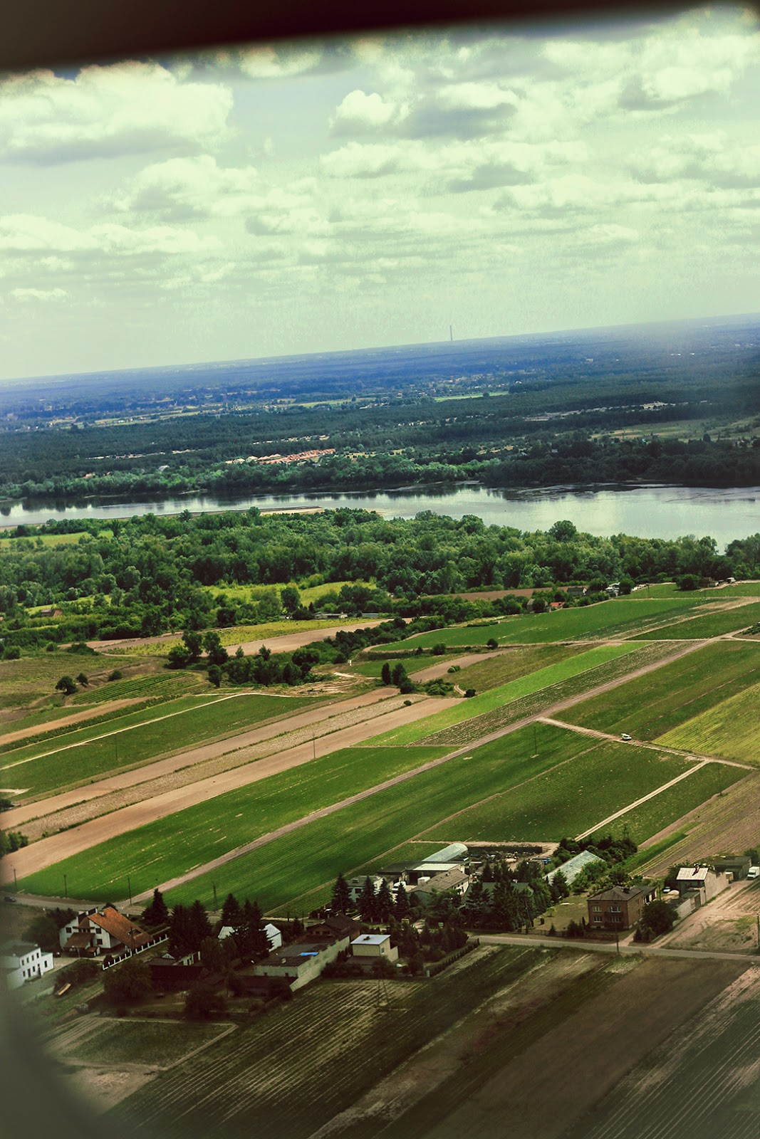 Widok z samolotu | Port lotniskowy Poznań Ławica