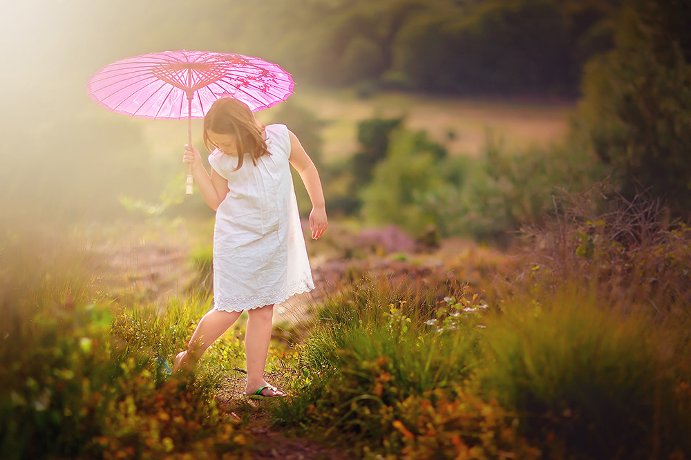 image of a girl on the moor by Willie Kers of GlamourKidz Photography the netherlands
