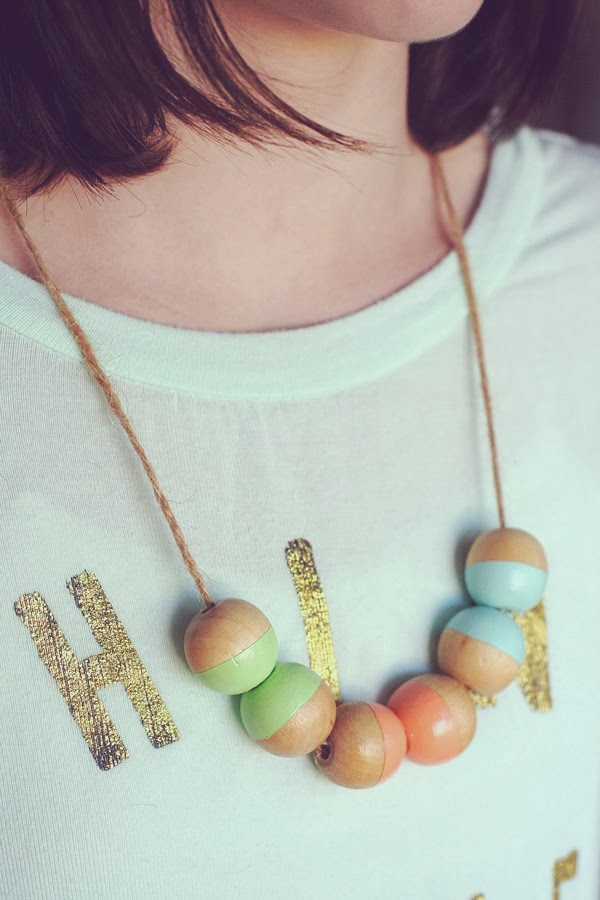 http://4.bp.blogspot.com/-QCsfwJTTSM0/Uxuik0HVJ-I/AAAAAAAASdI/JiKbmbeqlIg/s1600/bead+necklace+copy.jpg