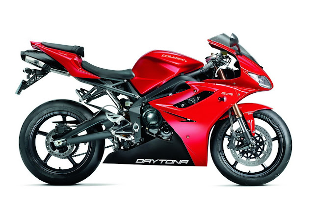 2012-Triumph-Daytona-675_Red