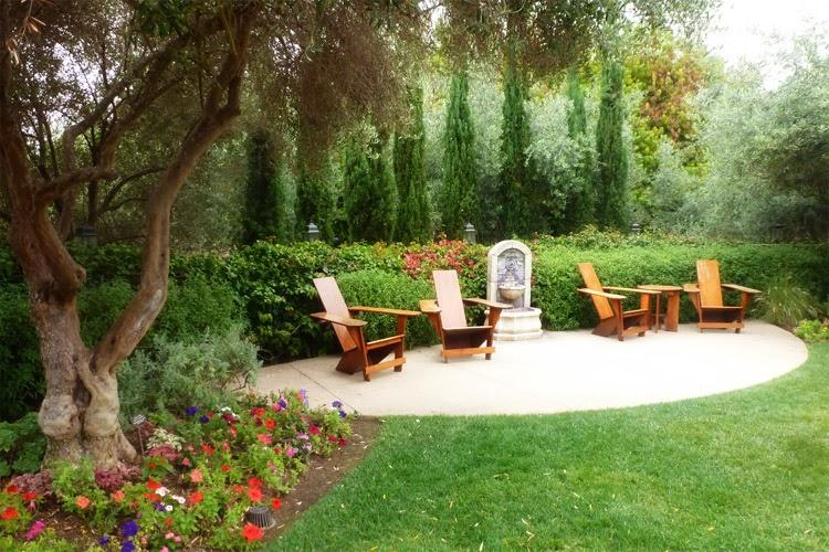 La Estancia La Jolla Hotel Garden Seating