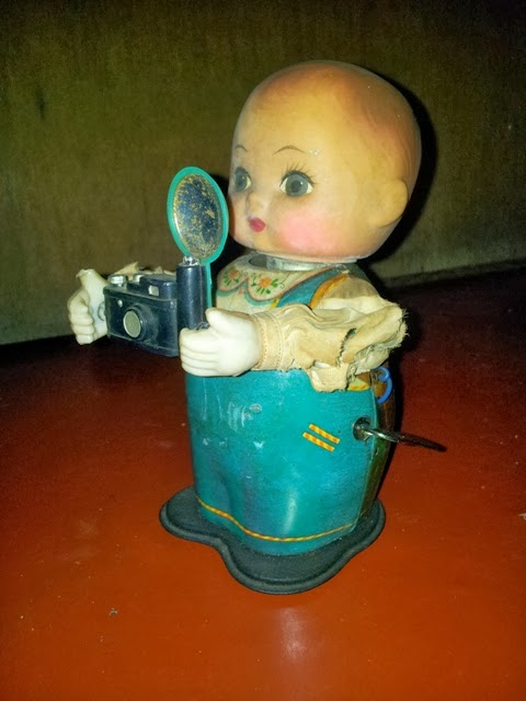 Tin Toys Baby Photograper 60s