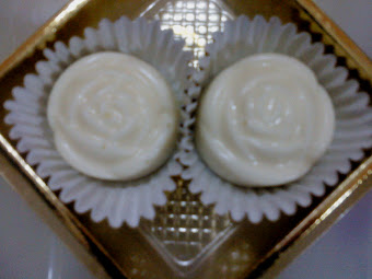 White Choco Flower Shape