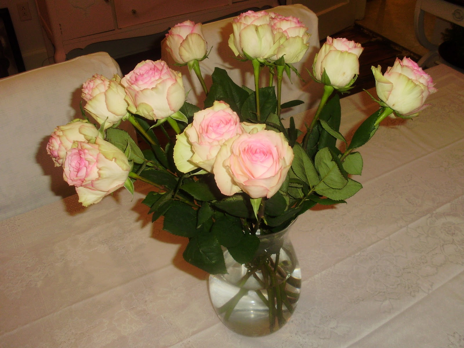 Pink And White Roses Collar City Brownstone