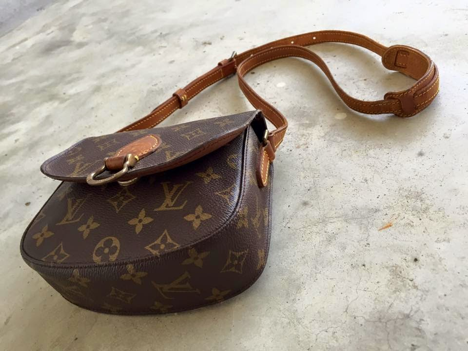 83eb939158ab Material   Monogram Coated canvas   trim with cowhide leather   Handle    Adjustable Price   RM488