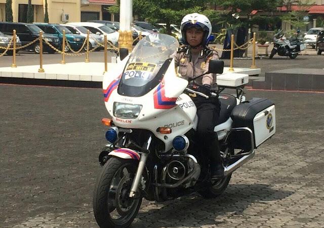 Bripda Siti Rimawati, Personel Humas Polres Bogor Mampu Kendarai Motor 900 cc